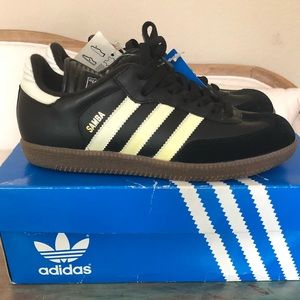 be22946d4e302 Men s adidas samba sneaker.